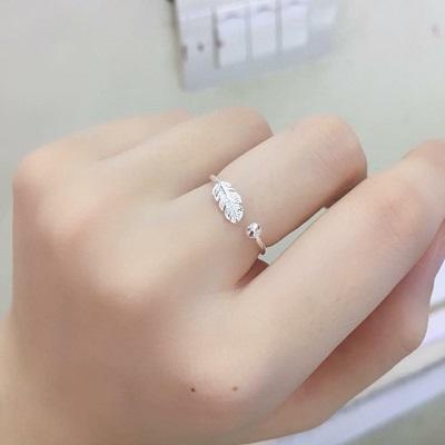 Nhẫn nữ bằng bạc giá rẻ