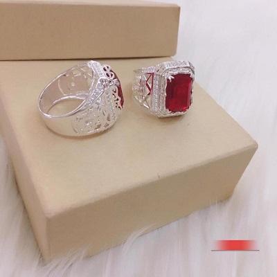 Nhẫn bạc đính đá màu đỏ